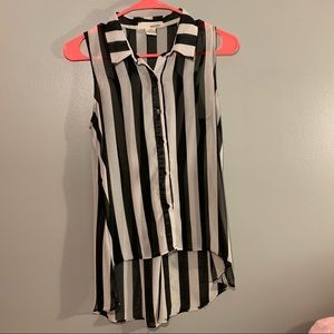 Black and white striped high-low button tank